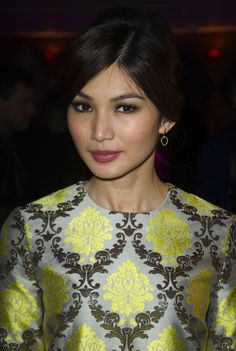 #GemmaChan wearing #MonicaVinader Naida Lotus Open Drop earrings to #TheHomecoming after party.