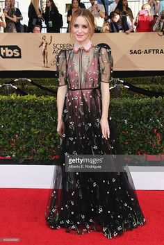 Actor Claire Foy attends the 23rd Annual Screen Actors Guild Awards at The Shrine Expo Hall on January 29, 2017 in Los Angeles, California.  (Photo by Alberto E. Rodriguez/Getty Images)