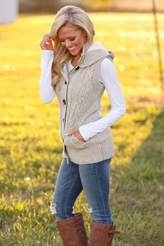 I like this look. Waiting For You Hooded Vest - Oatmeal from Closet Candy Boutique Fall Winter Outfits, Autumn Winter Fashion, Mens Fall Outfits, Vest Outfits For Women, Autumn Style, Look Fashion, Fashion Outfits, Fashion Trends, Fall Fashion