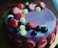 """Entremet """"Blueberry passion"""" , financier amandes , croustillant coco , coulis gelifié de myrtilles , crème à la vanille"""
