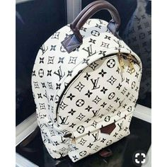 Clothes Women Fashion Styling Tips 2017 New LV Collection for Louis Vuitton Handbags.Women Fashion Styling Tips 2017 New LV Collection for Louis Vuitton Handbags. Luxury Bags, Luxury Handbags, Purses And Handbags, Tote Handbags, Designer Handbags, Designer Bags, Designer Backpacks, Mochila Louis Vuitton, Louis Vuitton Backpack