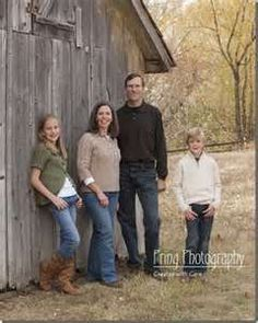 outdoor family portrait ideas - Bing Images
