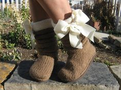 Items similar to Vintage go go boots / brown ponyskin ankle boots / UK EU US on Etsy Pretty Outfits, Cute Outfits, Cute Slippers, Sweater Boots, Fuzzy Boots, Winter Fashion Boots, Knit In The Round, Classy And Fabulous, Knitting Patterns
