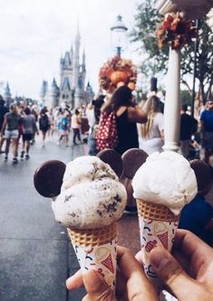 waffles aesthetic waffles disney the happiest place on earth . waffles disney the happiest place on earth the happiest place on earth Snapchat, Disney Vacations, Disney Trips, Disney Magic, Walt Disney, Comida Disney, Disney Snacks, Disney Dishes, Disney Desserts