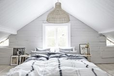 Tantalizing Ottawa attic renovation,Attic bedroom cost and Attic remodel before and after. Attic Bedroom Designs, Attic Bedrooms, Attic Design, Interior Design, Interior Stylist, Interior Architecture, Loft Room, Bedroom Loft, Gym Room