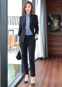 - - female business attire female business attire Source by Business Professional Outfits, Business Outfits Women, Business Women, Corporate Attire, Business Attire, Business Fashion, Office Fashion Women, Work Fashion, High Street Fashion