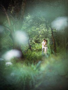 Fresh mint green Spring engagement shoot Ideas and Inspiration | Fotografias frescas de Sessão de noivado com cores de Primavera - Foto de Sonho sessão noivado antes casamento na praia Cascais Guincho