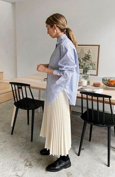 stylish clothes,newest fashion,hot new outfits,shop fashion Cos Fashion, Daily Fashion, Spring Fashion, Minimal Fashion Style, Ootd Spring, Classy Fashion, Muslim Fashion, French Fashion, Skirt Fashion