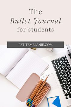 Bullet Journaling for students, Part 1, 2 and 3. Tips to help students to be more organized during the school year. The complete guide to help students be more organized with a Bullet Journal during the school year. Class schedule, weekly schedule, homework, group projects, budget, finances, meal prep. Bullet Journal En Français, Bullet Journal School, Weekly Schedule, Class Schedule, High School Students, Guide, Getting Organized, Homework, Group Projects
