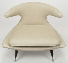 Gulp ...... a Karpen of California Horn lounge chair dating from the 1950s. Love. And we should thank the mid-century fella over at Mid-Ce...