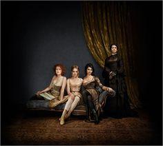Maison close : photo Anne Charrier, Jemima West, Valérie Karsenti