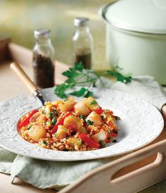 A simple, hearty, yummy bulgur dish, that will keep the whole family satisfied. Use rice instead of bulgur, it is up to you. Spice it up with a little cayenne pepper or smoked paprika. Smoked Paprika, Bruschetta, Vegetable Recipes, Spice Things Up, Potato Salad, Side Dishes, Food Porn, Spices, Food And Drink