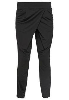 Comma Pantalon De Tela Black Asegúrate Un Estilo Propio Hay unos pantalones  de tela de mujer para cada ocasión 63f2d859cdb3