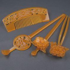 Asian Hair Accessories, Wedding Hair Accessories, Blonde Dreadlocks, Geisha Hair, Epic Hair, Decorative Hair Combs, Hair Comb Clips, Tiara Hairstyles, Kimono Pattern