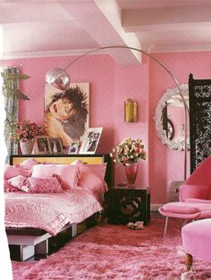 Natures Sleep Memory Foam Mattress  in betsey johnson's pink apartment!