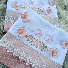 Embroidery Flowers Pattern, Flower Patterns, Hand Embroidery, Machine Embroidery, Embroidery Designs, Cloth Diapers, Burp Cloths, Embroidered Towels, Linens And Lace