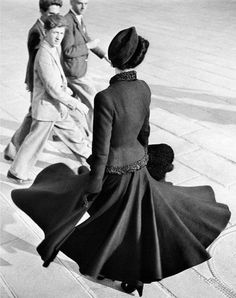 Model wearing the New Look of Dior, Place de la Concorde, Paris, 1947, photo by Richard Avedon