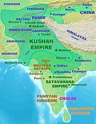 En el siglo III a.c el Imperio Kushan tenía contactos diplomáticos con Roma, Persia y China y por varios siglos estuvo en el centro del comercio entre el Oriente y Occidente, expandiendo el budismo a través de China.