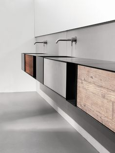 Wall-mounted plate vanity unit with doors ZERO20 by Moab 80