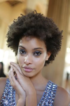 learn how to detangle hair knots because they can cause really much damage to your natural hair. hair are some . Twa Hairstyles, Natural Afro Hairstyles, Curled Hairstyles, Afro Hair Inspiration, Short Hair Styles, Natural Hair Styles, Hair Knot, Queen Hair, Hair Game