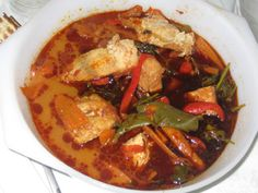 דג הנסיכה ברוטב חריף של רוחל'ה:  http://www.foodsdictionary.co.il/Recipes/300    כנסו - מתכון וידאו (: