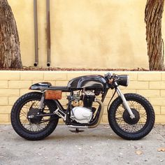 This is a great ride with a lot of detail, the headlight is from us and sure looks sweet on this cafe Racer. Moto Cafe, Cafe Bike, Cafe Racer Bikes, Cafe Racer Motorcycle, Vintage Bikes, Vintage Motorcycles, Custom Motorcycles, Scooters, Bike Look