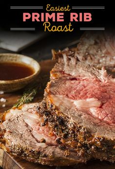 While prime rib can be sold bone-in or boneless, a bone-in roast is the best bet for guaranteed juicy succulence. dinner prime rib The world's easiest prime rib roast: Master a holiday classic Boneless Prime Rib Roast, Beef Rib Roast, Boneless Ribs, Roast Brisket, Beef Tenderloin, Prime Rib Marinade, Ribeye Roast, Rib Recipes, Roast Recipes