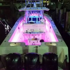 #41seahunter #floridalife #seahunter #teamseahunter #boatlife #saltlife #sailorjerry #supportbreastcancer #offshorefishing #offshore #offshorelife #bahamasbound #lovepink #yamaha #litup #rigidled by mjacobs1821