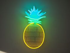 Nick Ede's neon pineapple light