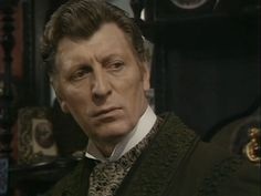 Tom Baker as Sherlock Holmes in The Hound of the Baskervilles. What if Arthur Conan Doyle actually based Sherlock Holmes on The Doctor after having an adventure with him? Doctor Strange, Doctor Who, Dr Who Tom Baker, Dr Watson, Arthur Conan Doyle, Torchwood, Weird World, Sherlock Holmes, Yahoo Images