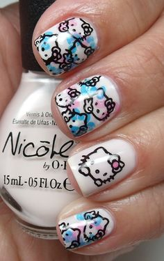 Ahh, Hello Kitty nails :)