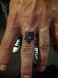 Heartagram Tattoo. Toronto tattoo convention.
