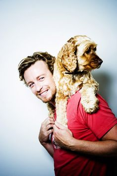 Simon Baker with a cute dog? Adorable, of course.