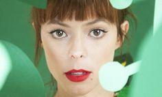 """Lenka live in Köln, Frankfurt, München, Berlin und Hamburg - Hinter der in Los Angeles und New York lebenden, australischen Sängerin Lenka verbirgt sich eine der verführerischsten Stimmen des zeitgenössischen Pop zwischen Hitsingle, verträumten Melodien und lässiger Sommer-Attitüde. Spätestens seit ihrem Hit """"Everything At Once"""" ist sie auch in Deutschland kein Geheimtipp mehr. Schon mit ihrem Debütalbum """"Lenka"""" knackte die attraktive 33-Jährige 2009 die internationalen Charts. Nach einer…"""