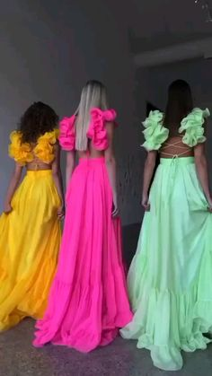 Evening Dresses, Prom Dresses, Summer Dresses, Formal Dresses, Feminine Style, Feminine Fashion, Nice Dresses, Party Dress, Fashion Looks
