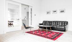 Decoración e interiorismo: Minimalista y llena de luz, esta casa de los años 20 fue renovada por el estudio Loft Kolasinski y se encuentra en Szczecin, Polonia.
