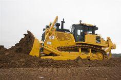 Komatsu America Corp Introduces the New Intelligent Machine Control Crawler Dozer by Chicago Heavy Equipment Services Heavy Construction Equipment, Road Construction, Used Equipment, Heavy Equipment, Earth Moving Equipment, Motor Grader, Heavy Machinery, Dump Trucks, Chenille