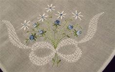Daintiest Blue Rosebuds White Daisies & Bow Hankie Handkerchief ~SWEET $10.99