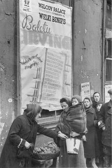 Warsaw, Poland, A line for the distribution of potatoes in the ghetto, 1941-1942.