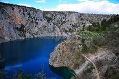Blue lake (Modro jezero) near Imotski can be a great #daytrip from Lobagola Mediterra for #hiking and #sightseeing. #lobagolabnb #imotski #croatia #dalmatia #outdoor