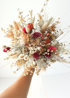 Dried Flower Bouquet, Flower Bouquet Wedding, Floral Wedding, Wedding Rustic, Wedding Dried Flowers, Wildflower Bridal Bouquets, Bridesmaid Bouquets, Wildflowers Wedding, Purple Bouquets