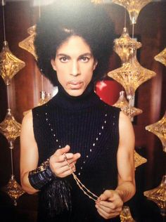 Prince : A Piano and A Microphone Tourbook 2016