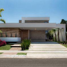 Encontre agora as ideias certas para a sua casa. 93855 Fotos de casas para lhe inspirar o sonho de viver.