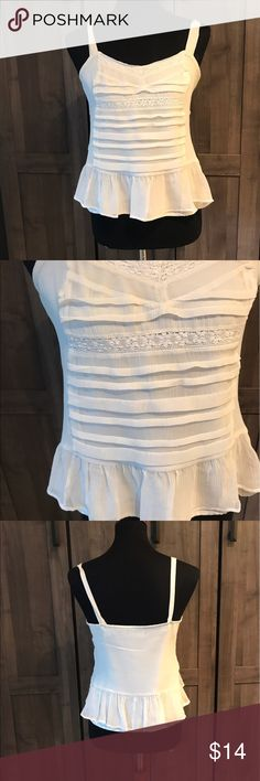 American Eagle Super cute. Size medium. Fully lined. American Eagle Outfitters Tops Crop Tops