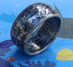 Coin Jewelry, Jewelry Rings, Jewlery, White Gold Rings, Silver Rings, How To Make Rings, Coin Ring, Diy Rings, Handmade Rings