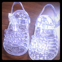 Baby Gap open toe jelly shoes size 3c Clear color. Baby Gap jelly shoes size 3c. So cute! But my daughter can't fit them so I'm selling. New without tags. Clean bottoms. Summer/Spring Baby Gap Shoes Sandals