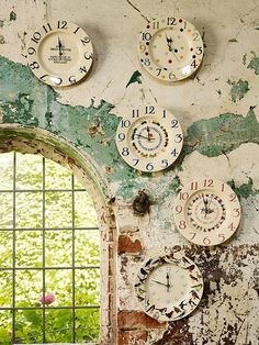 Collecting & Displaying Collections Of Clocks - Emma Bridgewater? Room Deco, Kitchen Clocks, Time Clock, Emma Bridgewater, Displaying Collections, Pottery Painting, Painted Pottery, Ticks, Wall Decor