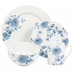 Spode Evoking a casual and contemporary feeling, the lush denim blue flowers on a pristine white background of Spode's Vintage Denim 16 Piece Dinnerware Set have a timeless appeal. The set is a great way to start your dinnerware collection. Blue And White Dinnerware, Blue Dinnerware Sets, Stoneware Dinnerware Sets, Square Dinnerware Set, Porcelain Dinnerware, China Porcelain, Tableware, Dinnerware Ideas, Bone China Dinnerware