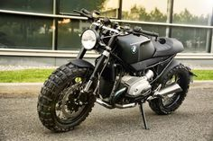 RocketGarage Cafe Racer: BMW 1200 R by Lazareth