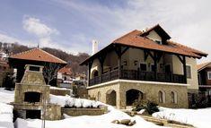 10 najlepših kuća u srpskom stilu Krakow Poland, Serbian, Traditional House, Old Houses, Tiny House, Beautiful Homes, Exterior, House Design, Mansions